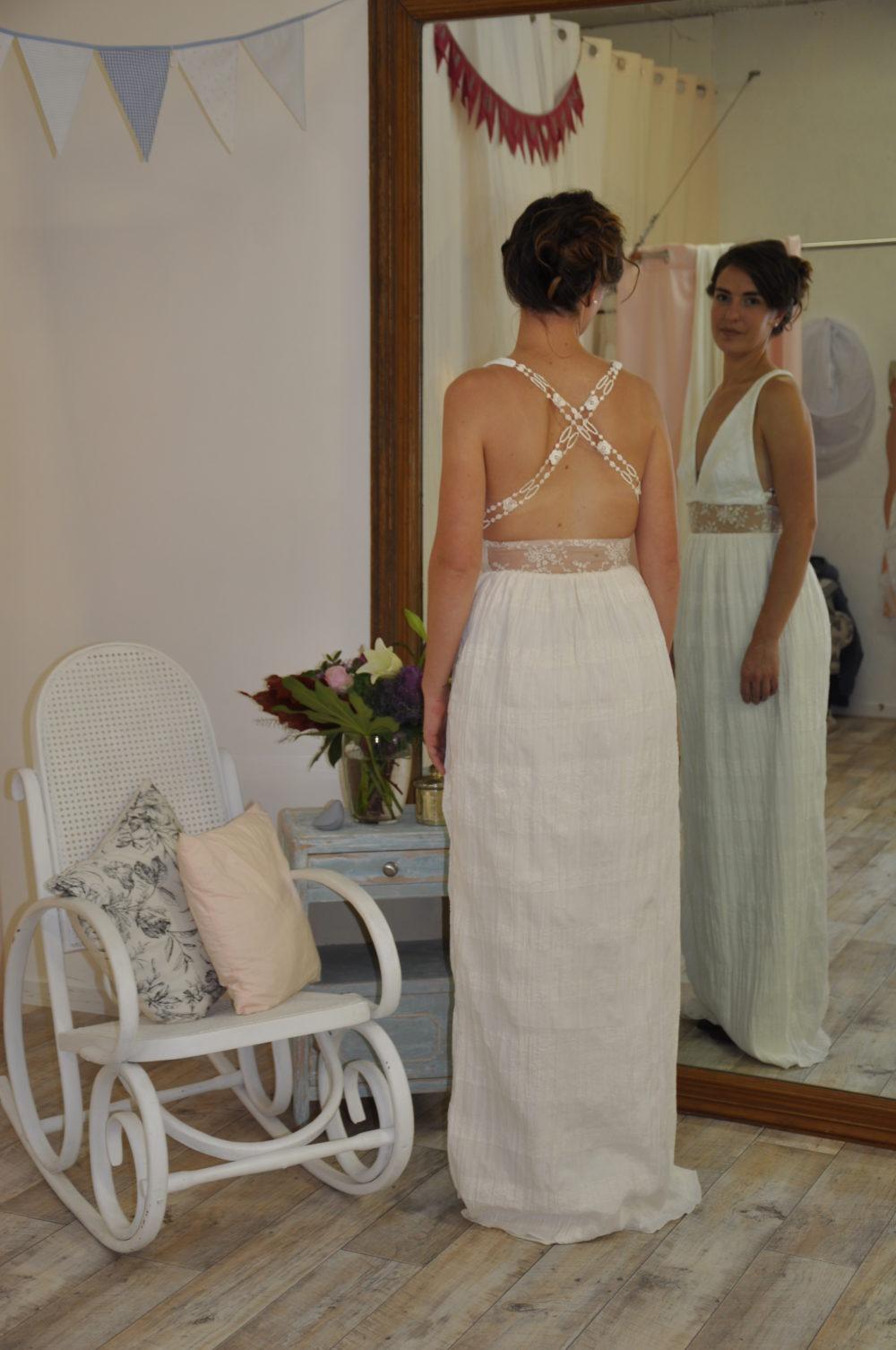 Robe de mariée à domicile - ADELINE - Robe fluide - Boutique de mariage Cholet Angers Nantes Bressuire les Herbiers Chemillé