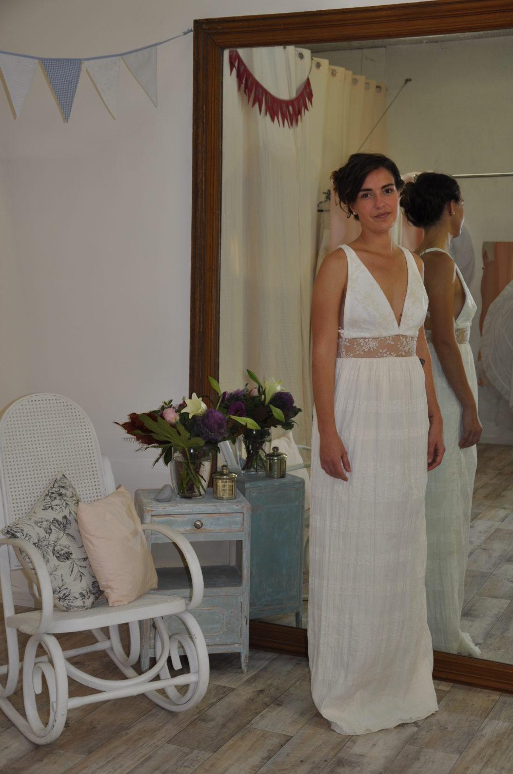 Robe de mariée à domicile - ADELINE - Robe fluide - Boutique de mariage Cholet - Chemillé - Bressuire - Le pin en Mauges