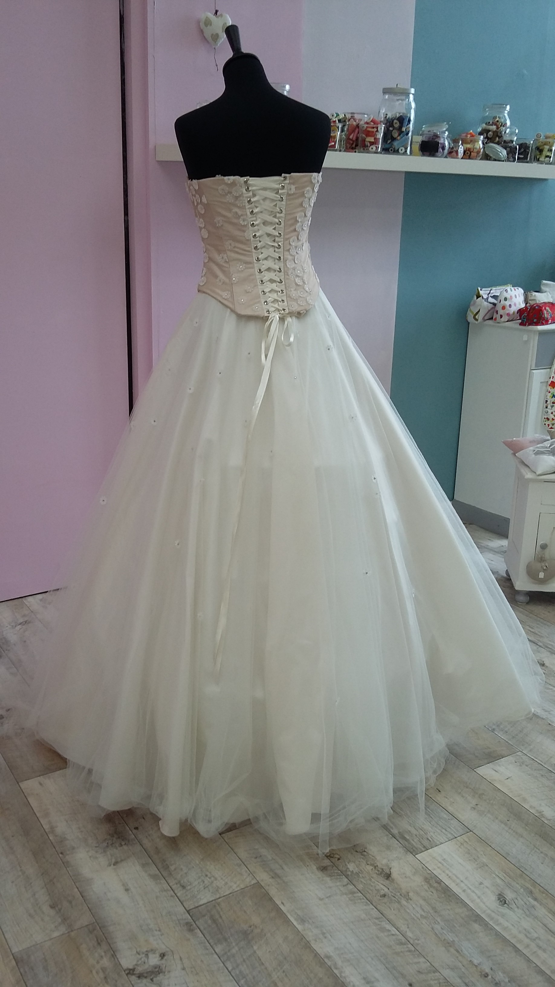 Robe de mariée à domicile - CATHERINE - Robe de mariage princesse - boutique de mariage cholet, chemillé, nantes, bressuire - robe de mariée rose - Ma robe Eséam