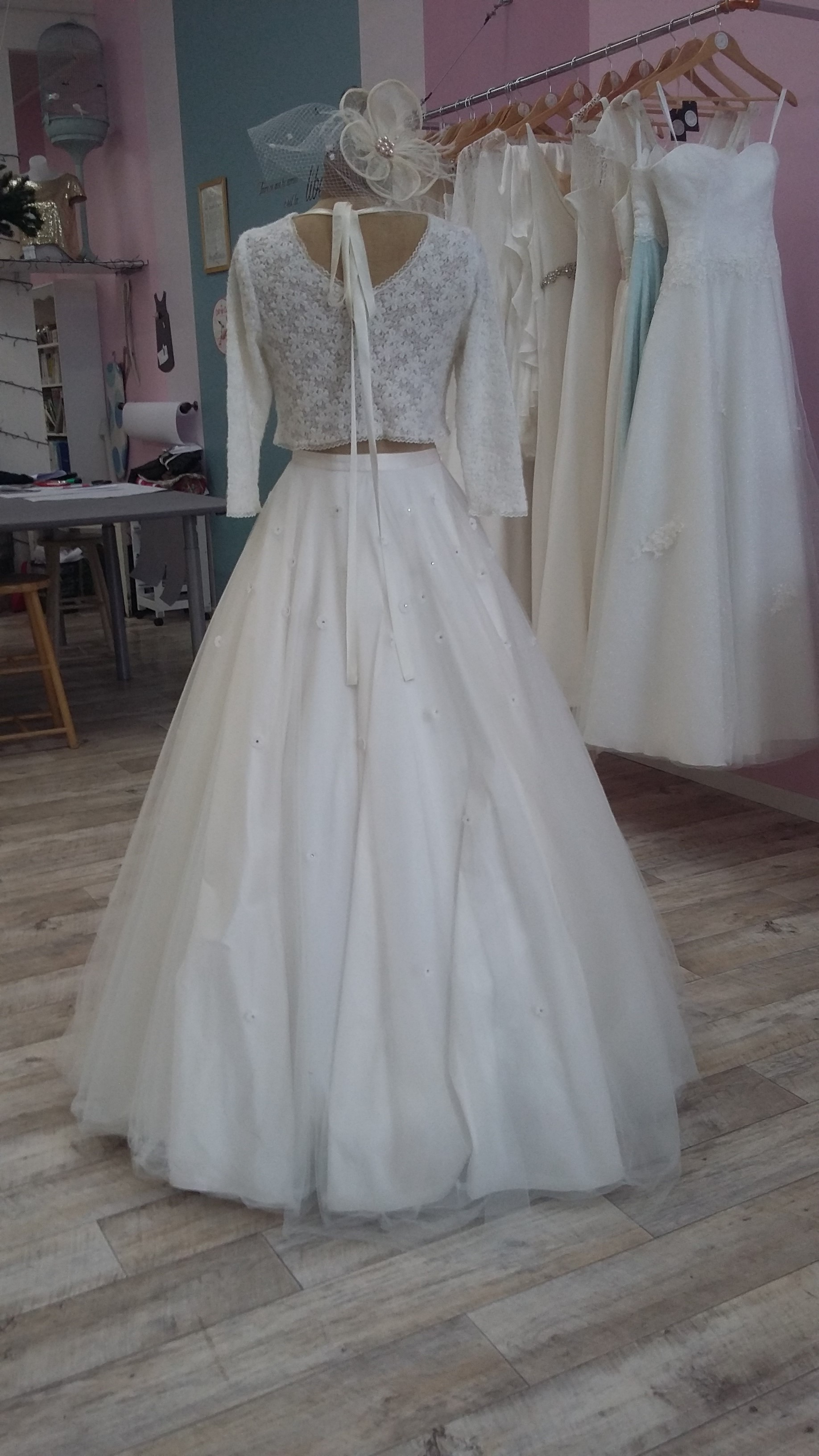 Robe de mariée à domicile -ELSA - Robe de mariée avec pull et jupe en tulle - Cholet - Boutique de mariage 49 - vente à domicile 49, location robe de mariée 49, robe de mariée pas cher, Créatrice 49
