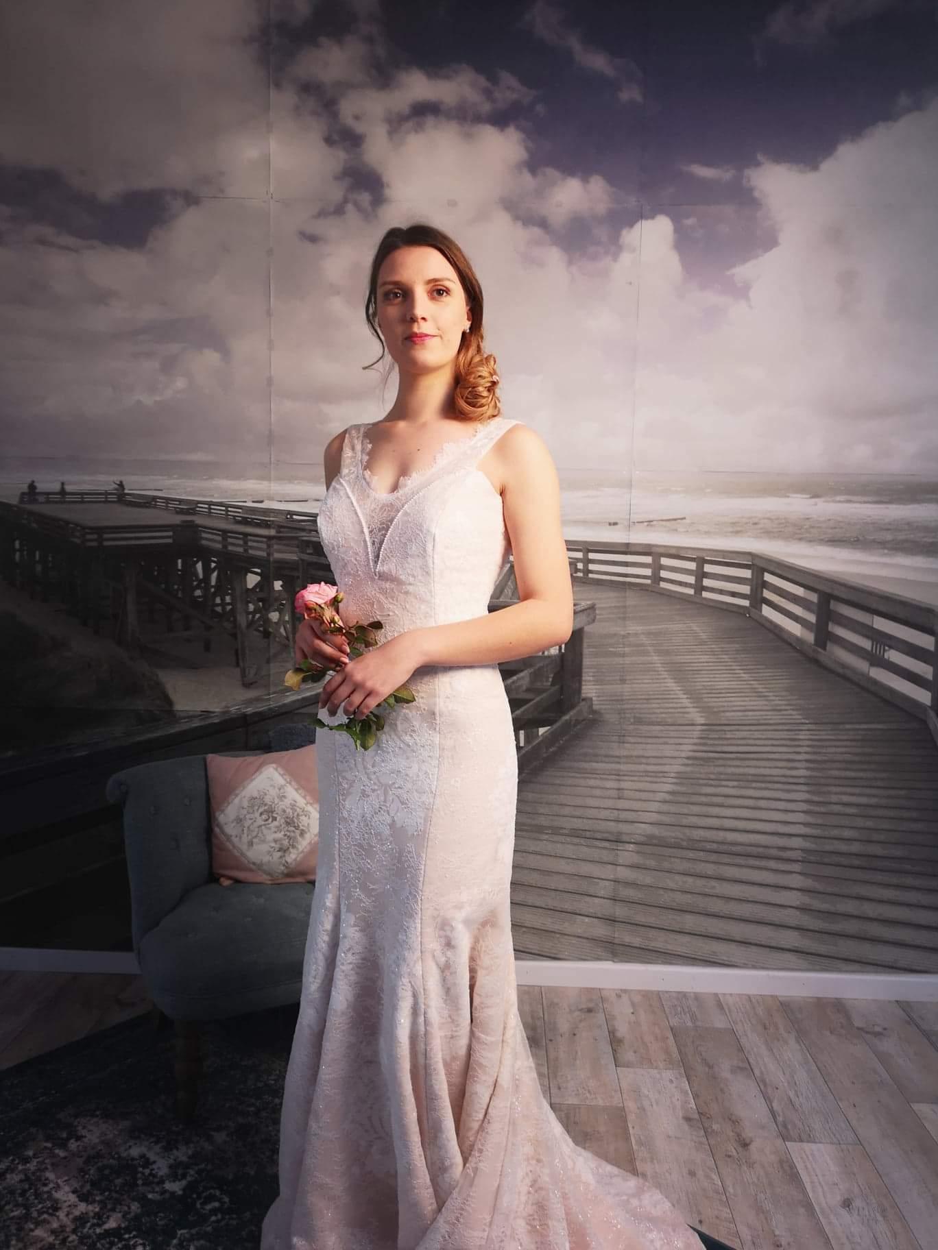Robe de mariée à domicile - MARIA - robe de mariée rose avec dentelle blanche - Cholet - Boutique de mariage 49 -, robe de mariée pas cher, créatrice 49