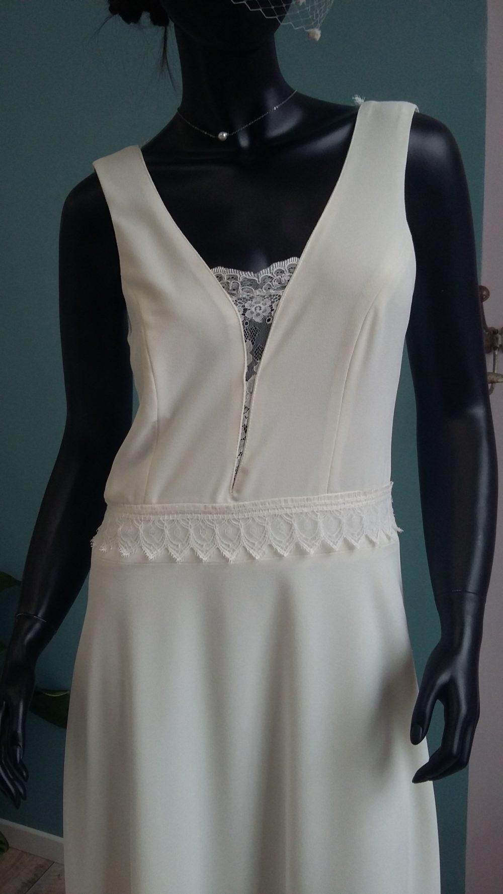 Robe de mariée à domicile - PAULINE - Robe fluide - Boutique de mariage Cholet - Création Unique