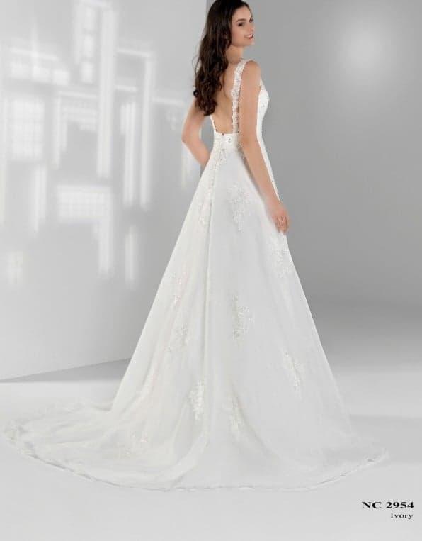 Robe de mariée à domicile - Nana couture NC 2954 - robe bohème - Cholet - boutique mariage - Créatrice